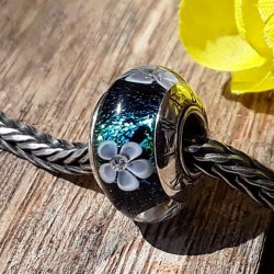 Lucien Flower Diamond (6/18) Limited and Numbered Edition